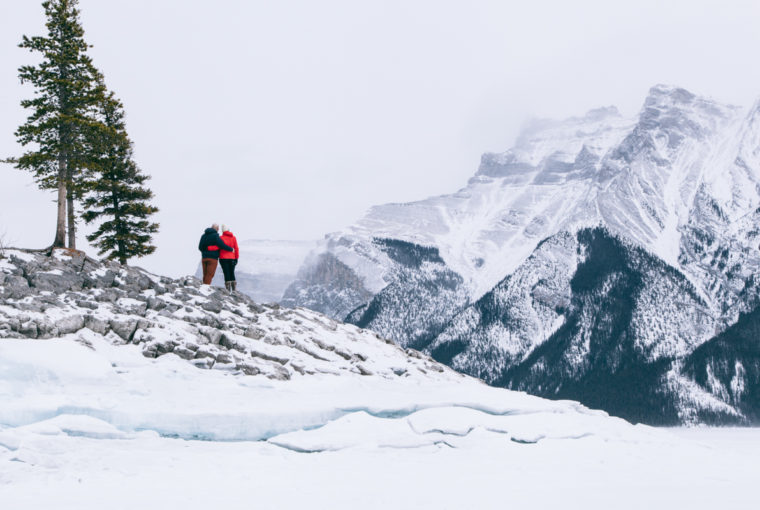 Engagement session lake minnewanka